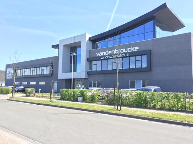 Bedrijfsgebouw Vandenbroucke 2